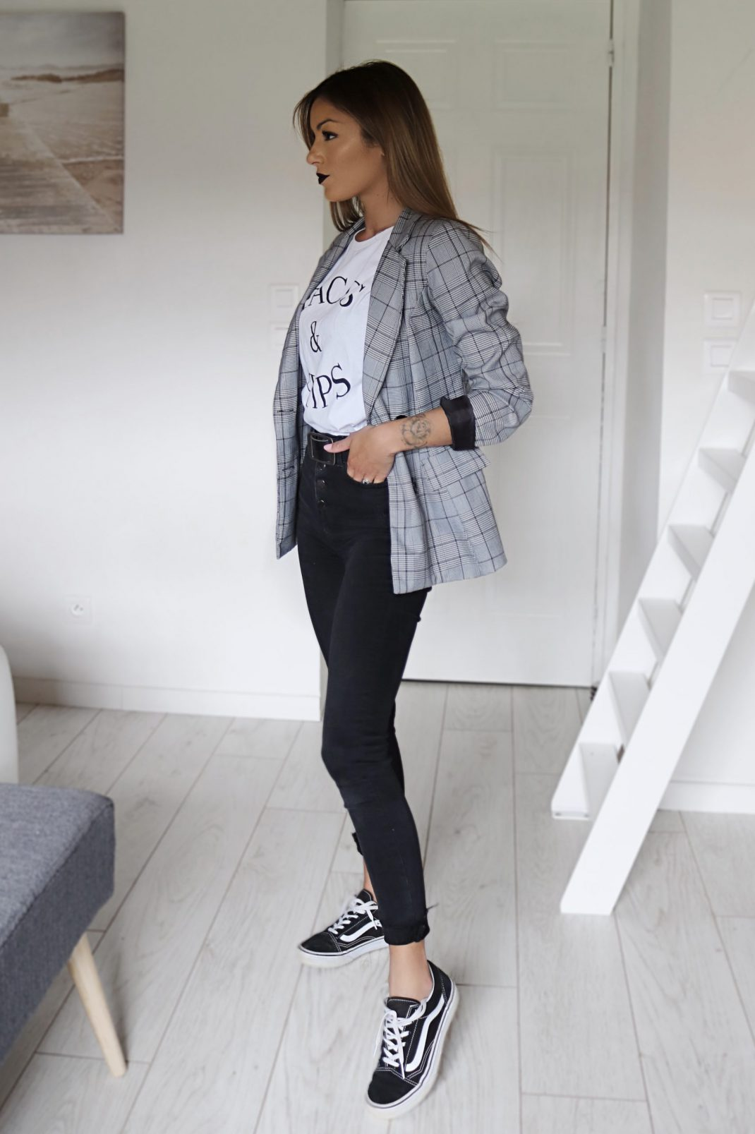 blazer gris look decontract